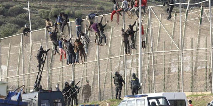 Migrants : l'Espagne va augmenter la hauteur des clôtures frontalières à Ceuta. Il n'y a que les murs de Trump et d'Israël qui gênent les bonnes consciences