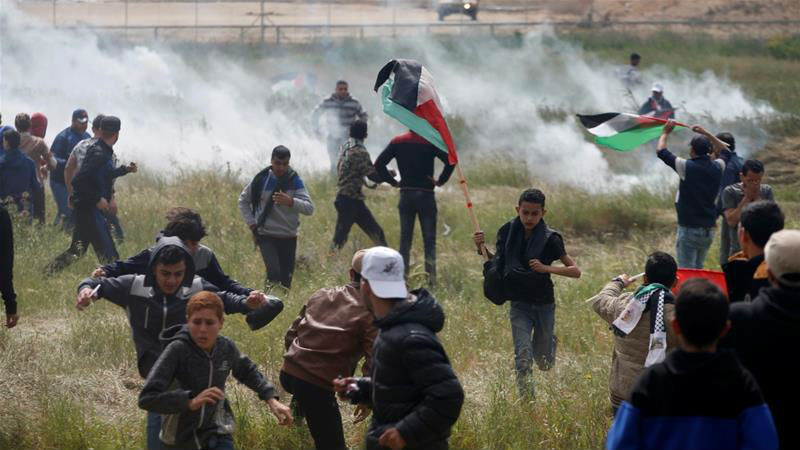 Gaza : Les émeutiers lancent des pierres, des pneus enflammés et des engins explosifs sur la barrière de sécurité (Vidéos)