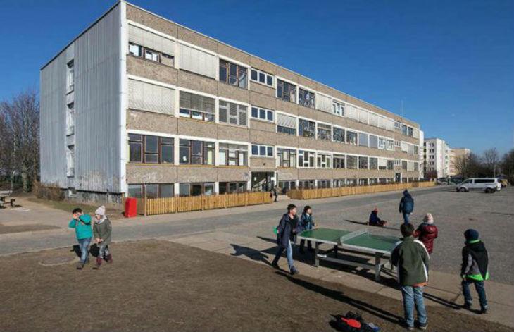 Dresde, Allemagne : 80 % des élèves de CP de cette école sont issus de l'immigration, les Allemands fuient l'établissement