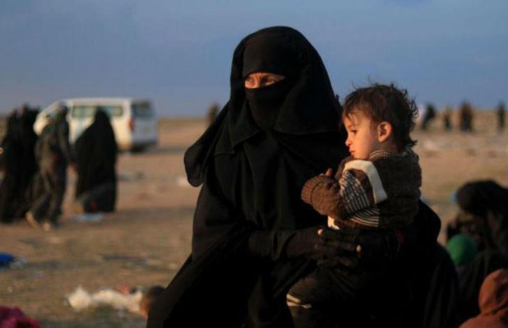 Des femmes évacuées de l'ultime réduit de l'État islamique vantent le califat : « Mon fils deviendra un jihadiste »