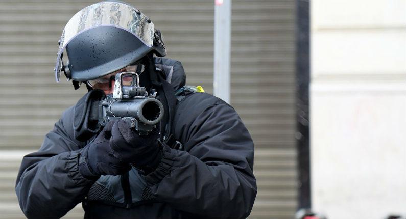 Le Conseil d'État refuse d'interdire l'usage des lanceurs de balles de défense LBD