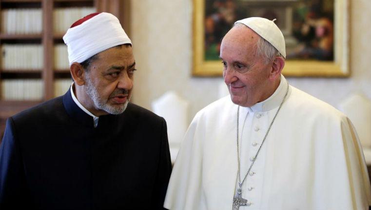 Le silence obstiné du pape sur la persécution des Chrétiens. Sa vision de l'islam semble provenir d'un monde imaginaire