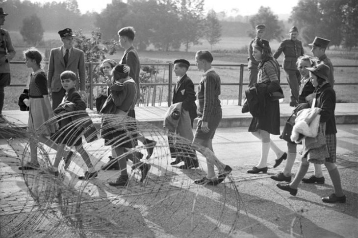 Un capitaine suisse sauve des centaines de Juifs autrichiens en fuite. 1938-1939