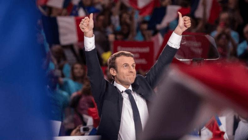 Pour la présidentielle 2022, Macron veut miser sur l'immigration et la sécurité pour séduire la droite