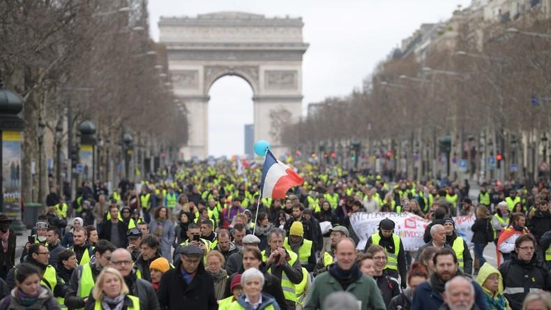 Acte 18 : affrontements à Paris entre manifestants et forces de l'ordre (Vidéos)
