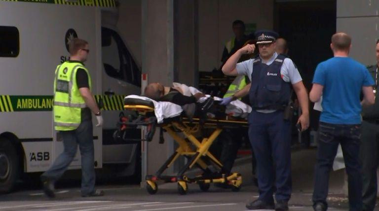 Attaque terroriste contre deux mosquées en Nouvelle-Zélande: au moins 49 morts, le suspect a publié un «manifeste» (Vidéos)