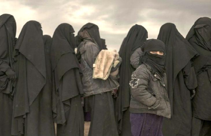 «Ça ne sera jamais terminé ! Après, nous viendrons chez vous !» : les menaces de l'Etat islamique (Vidéo)
