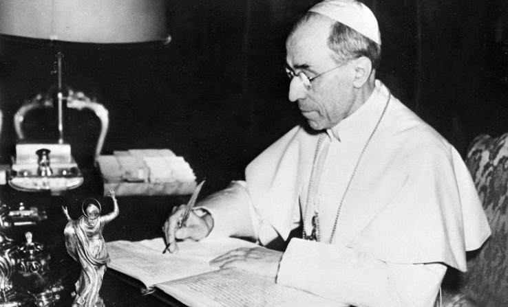 Vatican: les archives secrètes vont dévoiler le 2 mars, les raisons du silence du pape Pie XII sur la Shoah