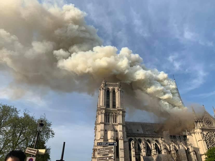 [ALERTE] Notre Dame de Paris en feu