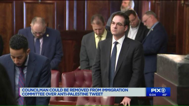 Le conseiller municipal de New York, Kalman Yeger, renvoyé du comité de l'immigration du conseil municipal pour avoir tweeté «La Palestine n'existe pas» (Vidéo)