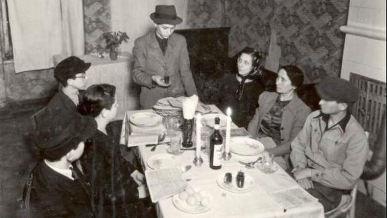 Le premier Seder de Pâque, depuis la Shoah, s'est tenu dans le ghetto de Varsovie