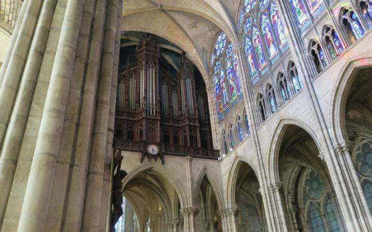 Basilique de Saint-Denis vandalisée : un migrant pakistanais récidiviste arrêté, arrivé il y a deux mois en France…
