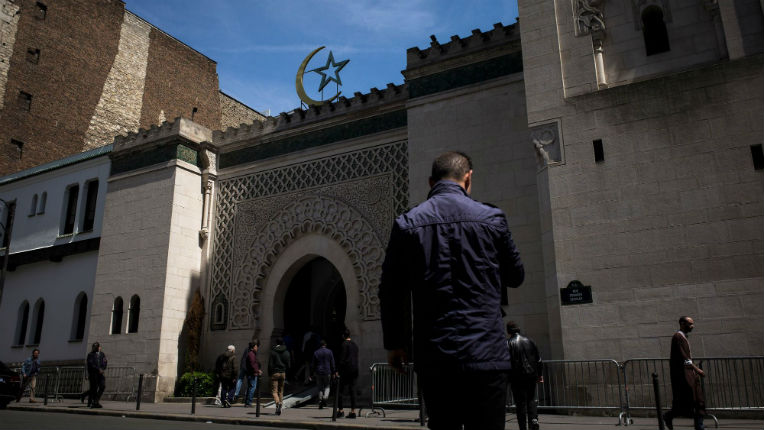 Révélations : La Mosquée de Paris publierait des textes de théologie islamique hostile au Judaïsme et au Christianisme