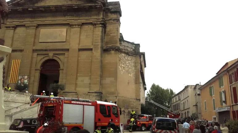 Bouches-du-Rhône : un incendie d'origine inconnue se déclare dans l'église Notre-Dame-de-Grâce à Eyguières, le confessionnal détruit