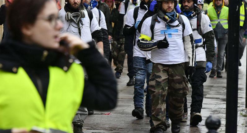 Violences policières : Un petit garçon blessé, une fillette gazée suffoque, un homme et ses filles blessés lors de l'acte 22 à Toulouse (Vidéo)