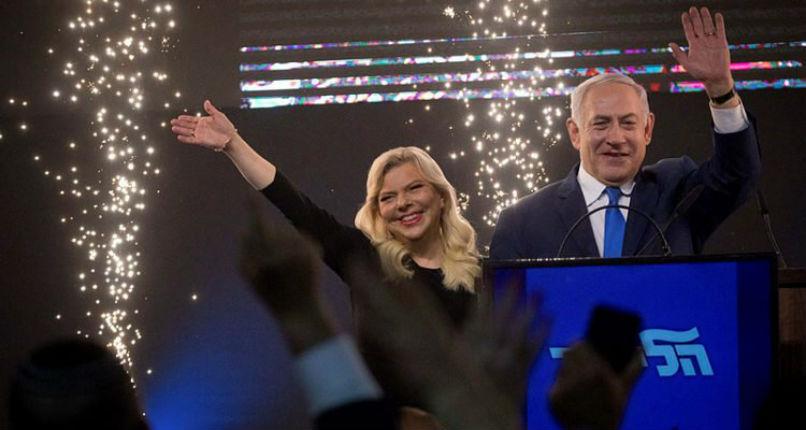 Netanyahu célèbre «sa formidable victoire» : «Le bloc de droite dirigé par le Likoud a clairement gagné.Je remercie les citoyens israéliens de leur confiance »