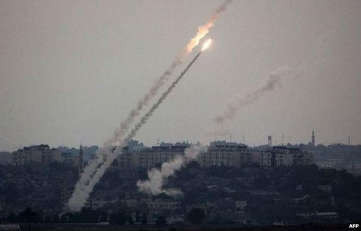 Depuis 24h, près de 400 roquettes ont été tirées depuis Gaza sur Israël. Une femme de 65 ans légèrement blessée. 12 djihadistes éliminés