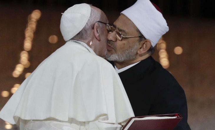 A trop vouloir la paix, le pape François est prêt à tout accepter des islamistes
