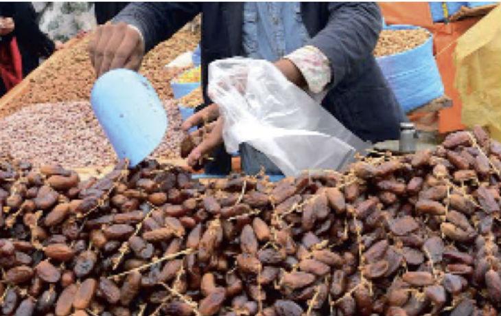 Ramadan : malgré les appels au boycott, les Marocains préfèrent les dattes israéliennes. Pour les commerçants et les consommateurs, elles constituent un produit de luxe