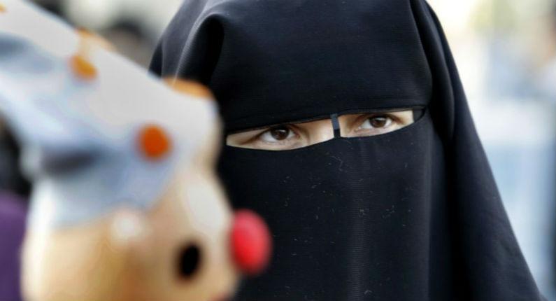 Islamisation : Un médecin britannique accusé de «discrimination religieuse» pour avoir demandé à une patiente d'enlever son niqab