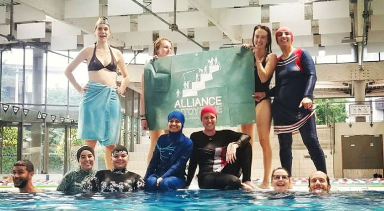 Grenoble: Des femmes musulmanes pénètrent de force en burkini dans une piscine malgré l'interdiction (Vidéo)
