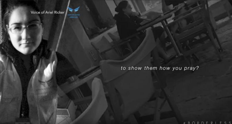 Caméra cachée : La directrice d'une ONG européenne pro-migrants enseigne aux migrants à mentir et à faire semblant d'être des chrétiens persécutés (Vidéo)