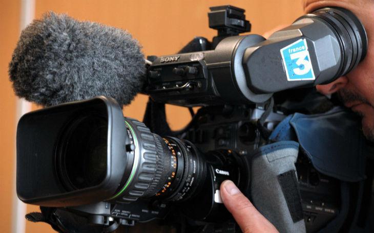 Un journaliste agressé lors d'un tournage par une foule de fidèles d'une mosquée près de Rouen