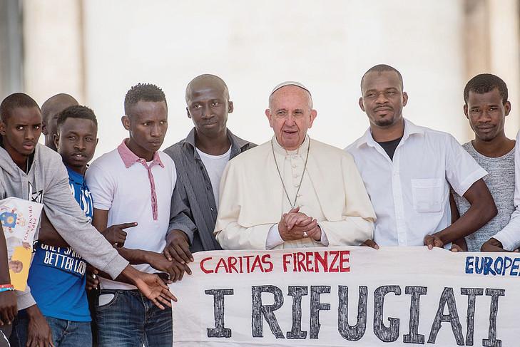 Au-Vaticande-laudience-hebdomadaire-22-2016_0_729_487