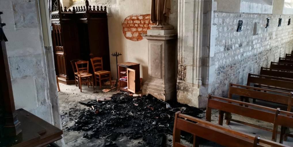À Bourg-Achard, une nouvelle Eglise incendiée, pas de suspect selon les médias