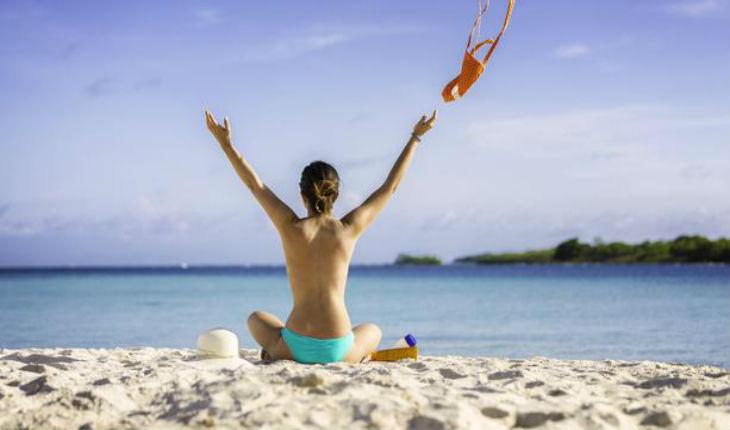 Sondage : près de 6 musulmans sur 10 favorables à une loi interdisant le « topless » sur les plages françaises