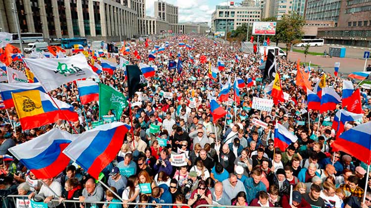 Des milliers de personnes manifestent à Moscou: «Poutine nous vole les élections»