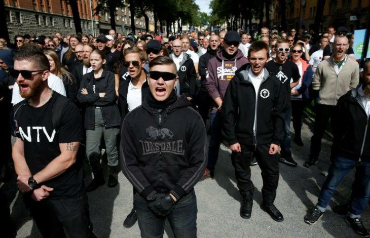 Suède: des néo-nazis perturbent une exposition de portraits de survivants de la Shoah