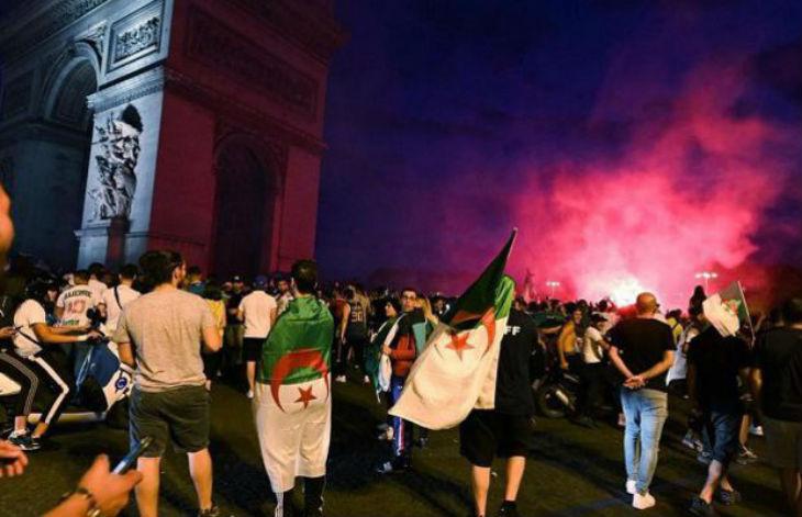 Victoire de l'Algérie : Brigitte Bardot « choquée que le 14 juillet se soit transformé en fête nationale algérienne ». 282 interpellations en France