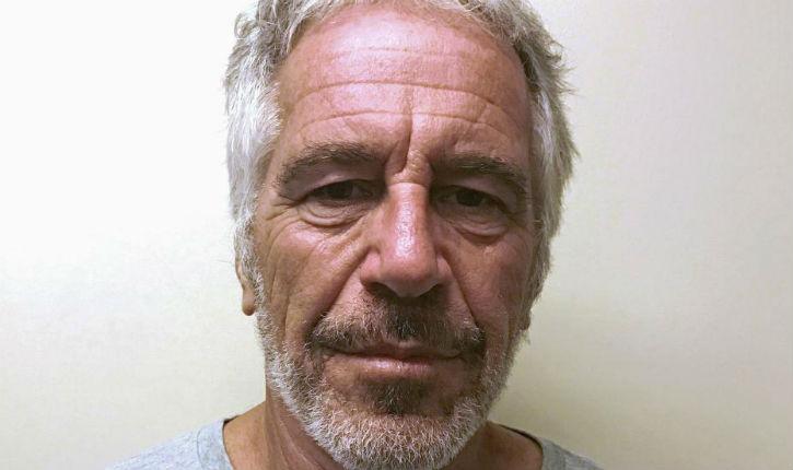 """""""C'est la panique chez de nombreux riches et célébrités"""" : tous les noms des passagers des vols d'Epstein bientôt révélés ?"""