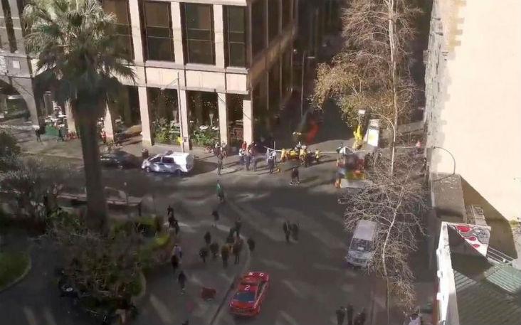 Sydney : Un homme armé d'un couteau attaque des passants en hurlant « Allah Akbar », au moins une blessée