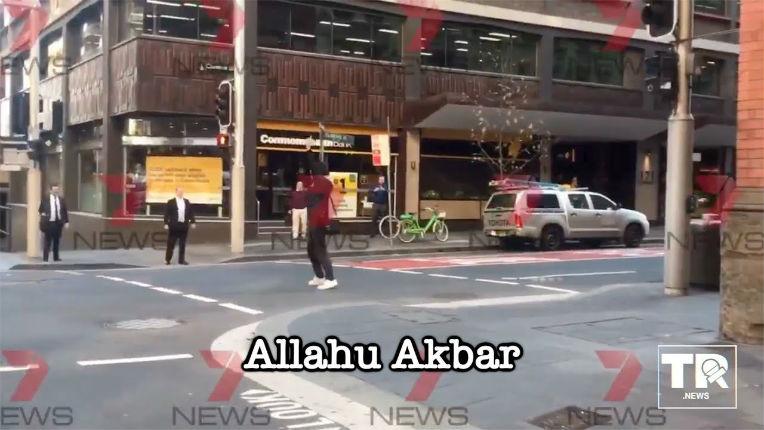 Attaque terroriste à Sydney : une jeune femme tuée, une autre poignardée en pleine rue, l'agresseur criait « Allah Akbar » (Vidéo de l'agresseur)