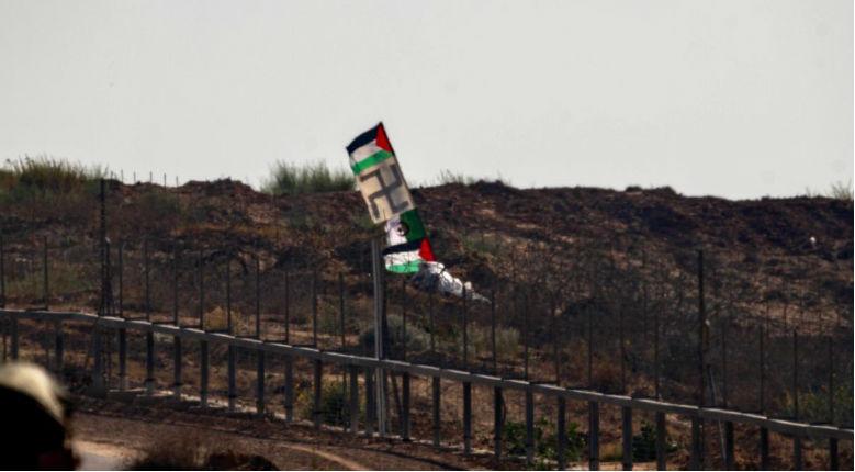 drapeau nazi et palestiniens