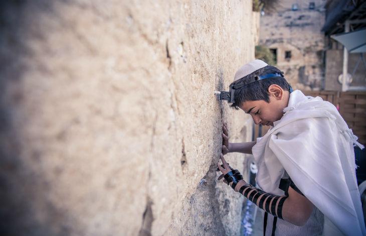 Israël : L'ONG Yad Lachim lance une campagne pour encourager les musulmans aux racines juives à revenir au judaïsme, conformément à la loi juive
