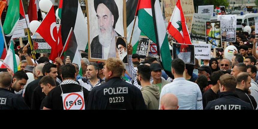 La Ville de Berlin interdit deux rappeurs antisémites, Shadi Al-Bourini et Shadi Al-Najjar, «Devant la Porte de Brandebourg, aucun terroriste ne peut apparaître»