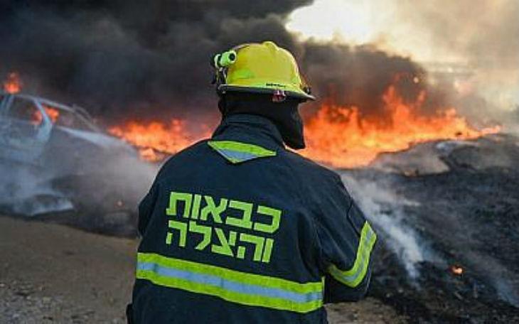 Israël envoie des pompiers pour aider le Brésil à combattre les incendies dans l'Amazonie