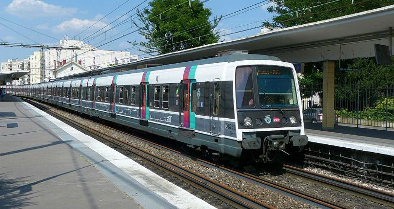 Un homme interpellé dans le RER B : «Vous allez tous mourir, Allah Akbar ! Je vais vous jeter sous le train»