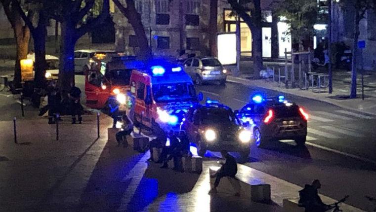 Attaque raciste à Nîmes : plusieurs personnes blessées à coups de couteau aux cris de « sales blancs… sales Français »
