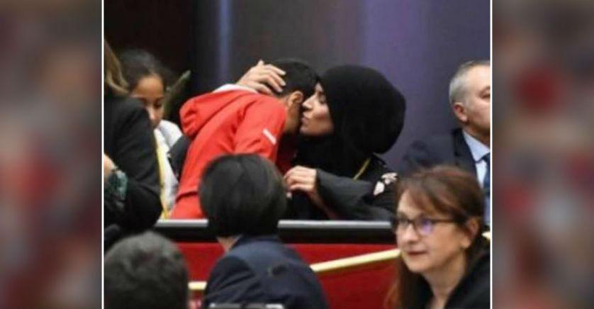 Femme voilée au conseil régional de Bourgogne-Franche-Comté : 90 personnalités de gauche appellent Macron à dire « stop à la haine contre les musulmans de France »