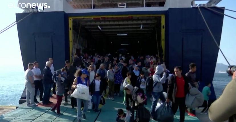 Flot incessant de migrants en Grèce : 37 000 migrants sont en attente, 643 arrivés ces dernières 24 heures « des centaines arrivent chaque jour » (Vidéo)