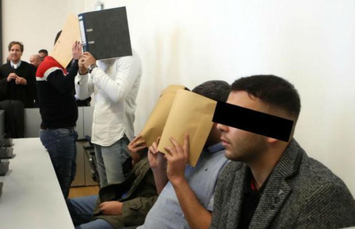 Migrants une chance ? 5 migrants jugés pour avoir drogué et violé deux jeunes femmes durant des heures avec barbarie