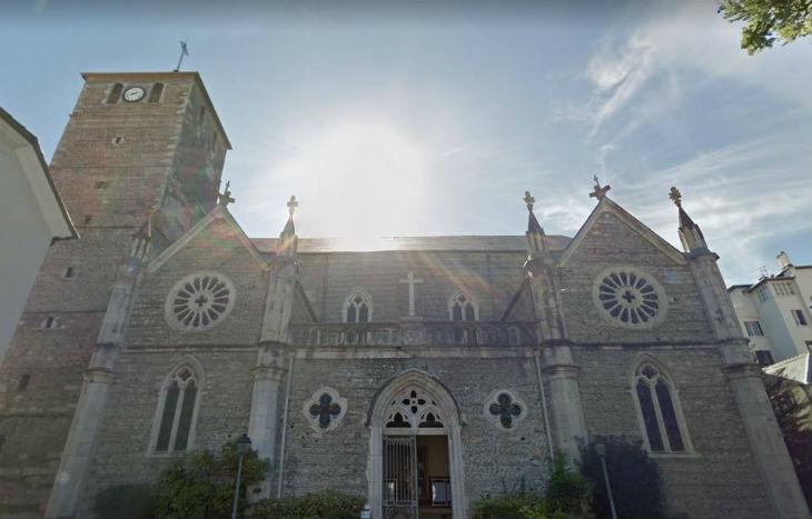 Tarbes : L'église Saint-Jean vandalisée, bibles dégradées, présence d'excréments, porte fracturée