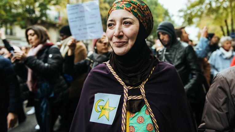 Etoile jaune lors de la marche islamo-gauchiste : les Juifs en 1940 n'avaient ni la CAF, ni le chômage, ni les APL, ni les HLM, ni la Sécu, juste droit à l'extermination… «C'est la stratégie des islamistes de se victimiser»