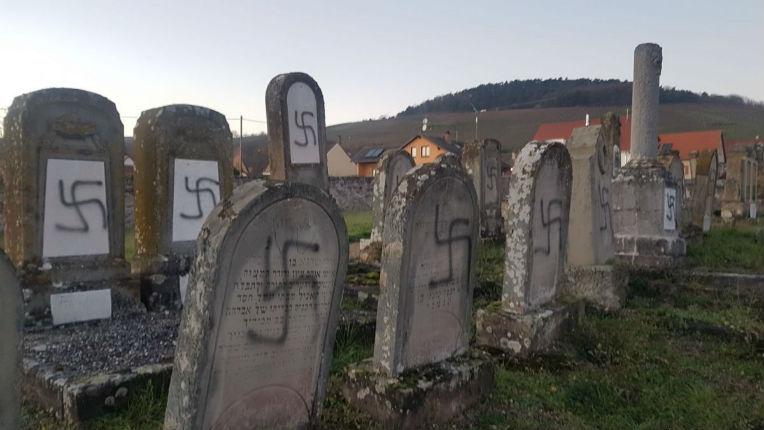 Profanations de cimetières israélites: des bénévoles «veilleurs de mémoire dans les cimetières juifs» ont mis en place des rondes