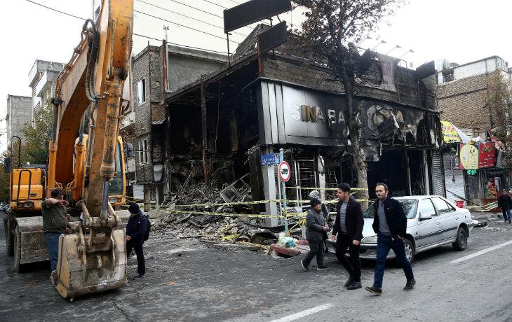 Avec la répression brutale qui a déjà fait plus de 400 morts, l'Iran traverse la plus grande crise depuis la Révolution islamique il y a 40 ans