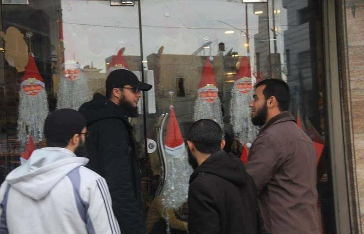 Chrétiens à Gaza : les salafistes retirent les décorations de Noël des vitrines et interdisent aux commerçants de vendre des produits de cette fête